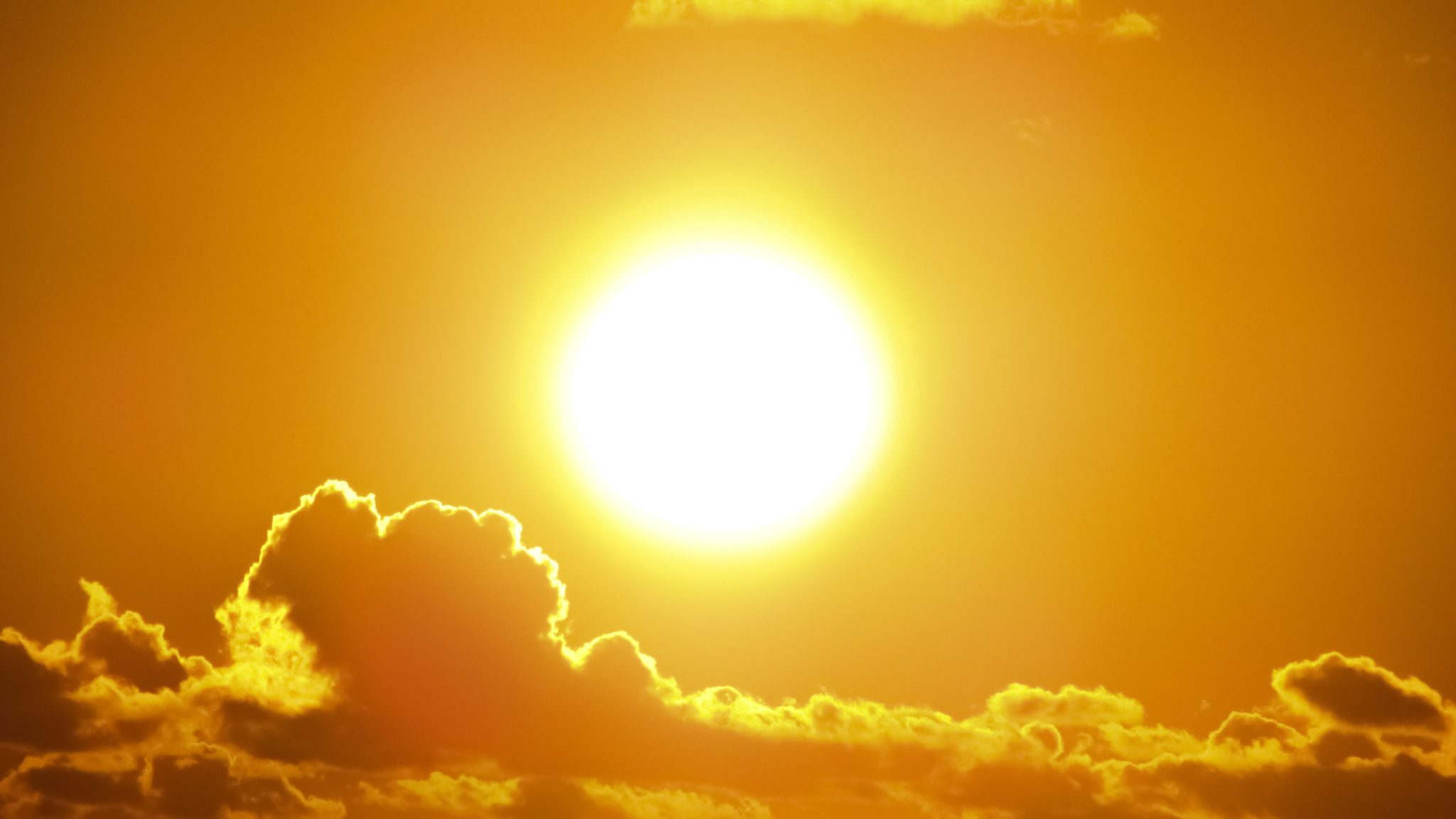 Bank Holiday Sunshine Breaks UK Solar Record