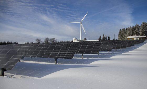 Do solar panels work in winter?