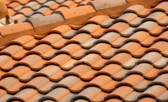 What are solar roof tiles?